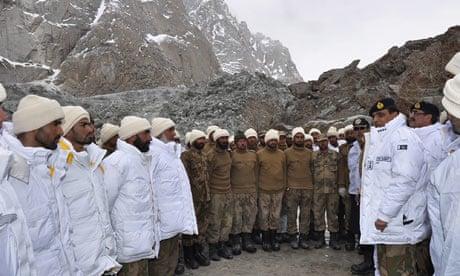 The Pakistani army visits 008