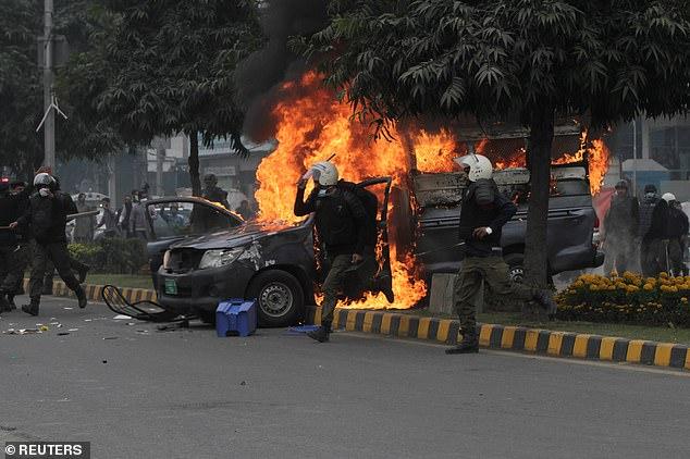 Wuklaa'gardi in Lahore